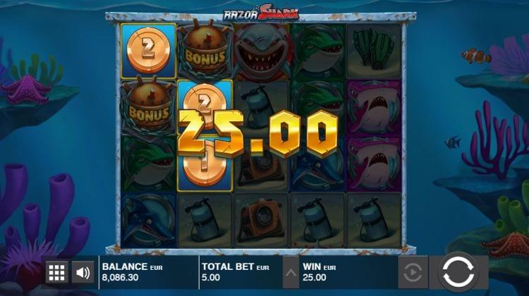 razor shark slot win